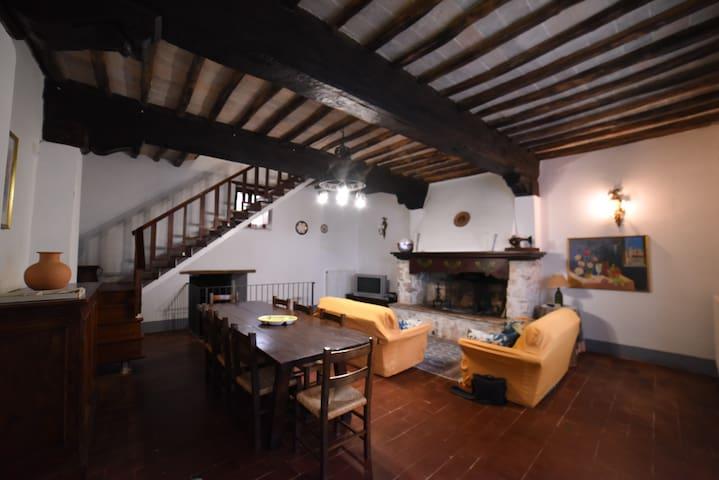 Ciliegio apartment (4 sleeps + 1).
