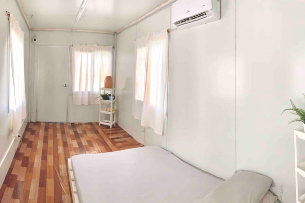 Another shot of the Tiny home bedroom, you get the picture :)