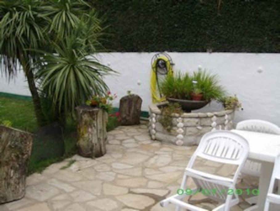 Appart 40 m2 guethary avec terrasse et jardin wohnungen zur miete in gu thary aquitaine - Terrasse jardin botanique montreal poitiers ...