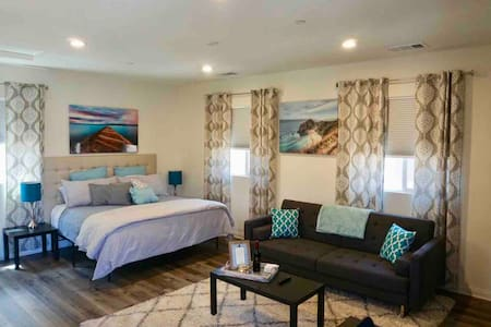 New Private Suite Near Beach/Restaurants/NightLife