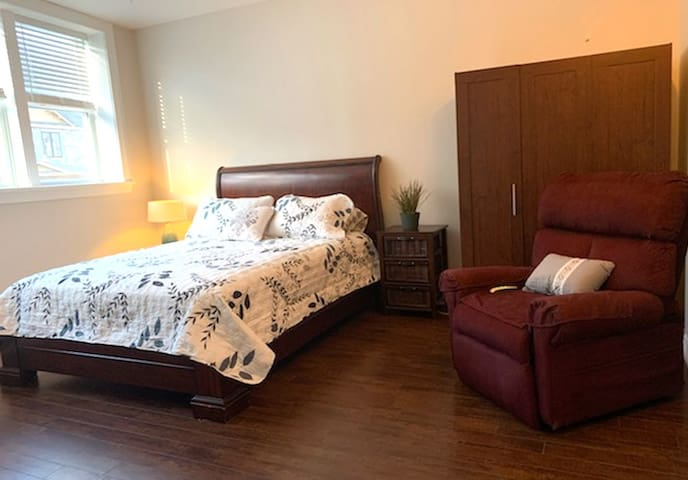 R3 Suites in the Heart of Alton, Ontario (suite2)