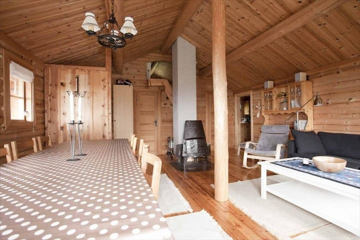 Koselig laftet hytte nært skitrekk på Gullingen - Sand - Chalet