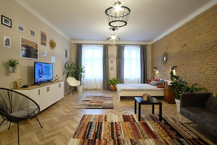 The  Old Square Apartment