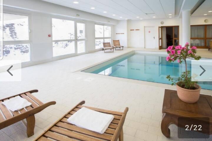 Les Gentianes PSV 1800, piscine