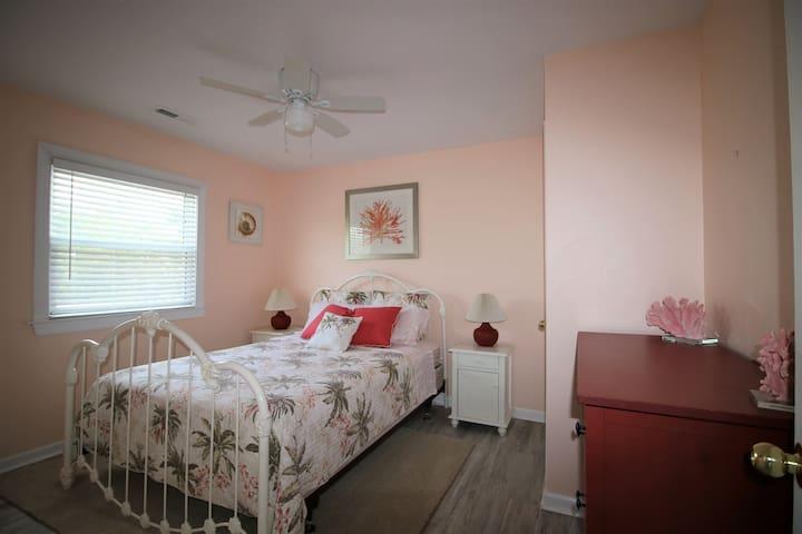 2nd floor- Bedroom 3- Queen