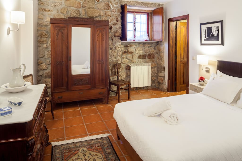 Quarto Rustico ~ Casa de Sequiade Quarto Rústico Cabins for Rent in Braga, Braga, Portugal