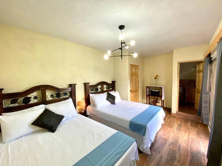 Habitación Doble a 10 minutos de Antigua Guatemala