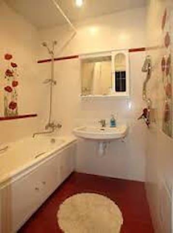 Квартира в спальном районе дешево - Большекабанское - Apartamento