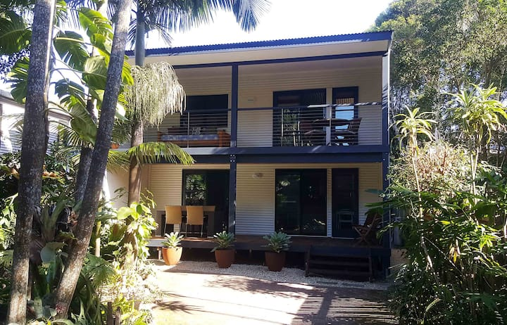 absolutely belongil beach house