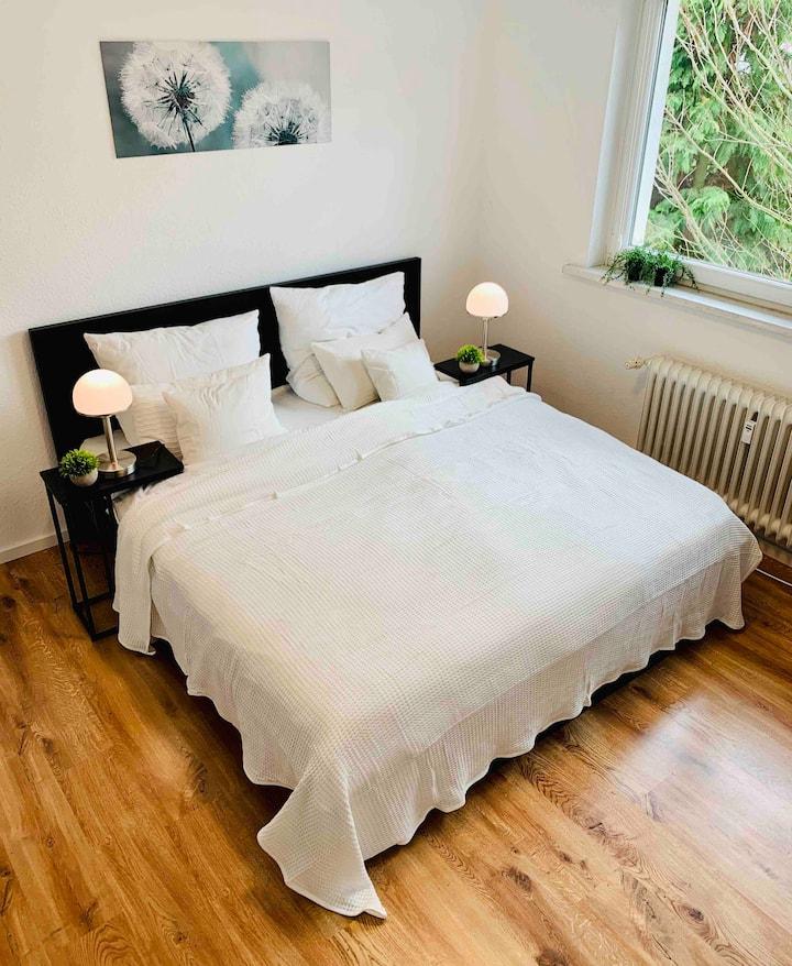 Direkte Uninähe: Schönes Apartment mit Doppelbett