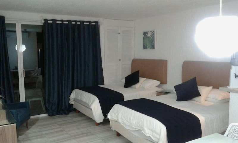 BEAUTIFUL NEWLY REMODELED OCEAN VIEW SUITE