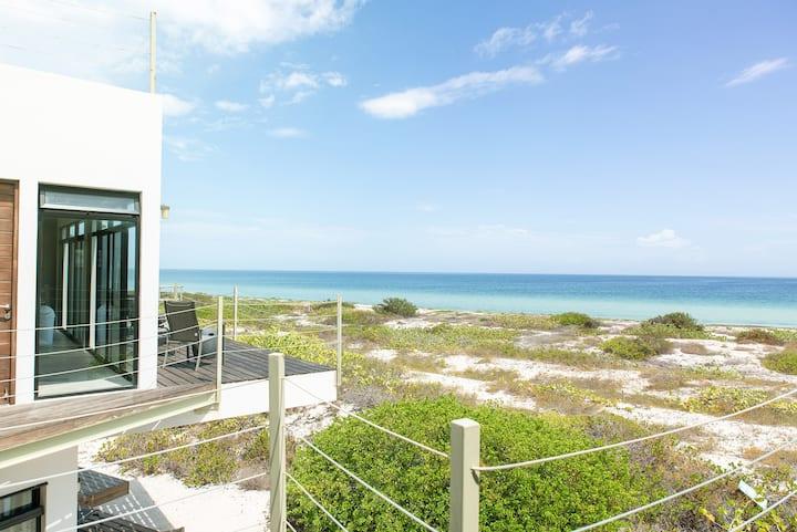 Immaculate Villa & Private Beach in National Park