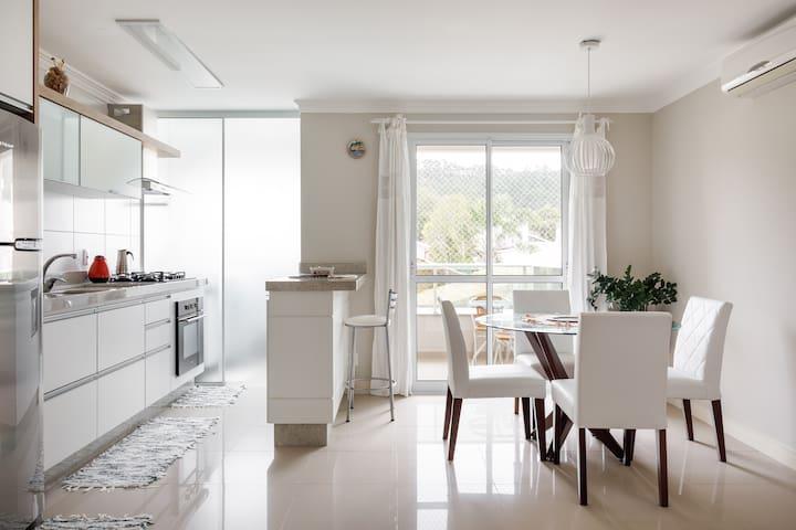 Lindo e tranquilo apartamento em Canasvieiras