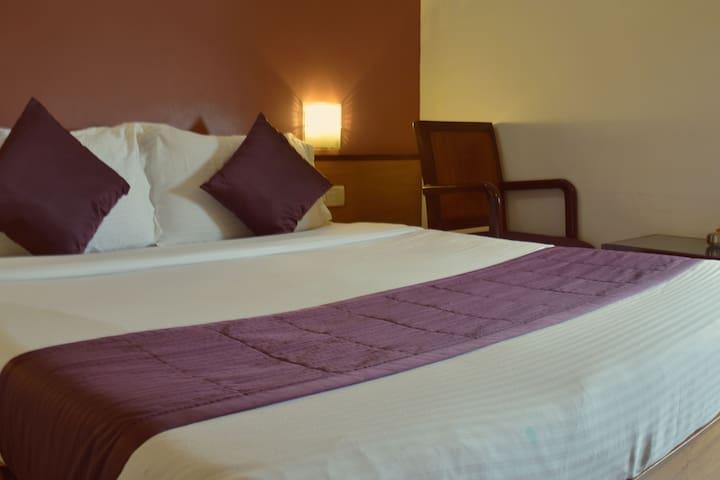 Comfortable stay located in Juhu - Mumbai - Bed & Breakfast