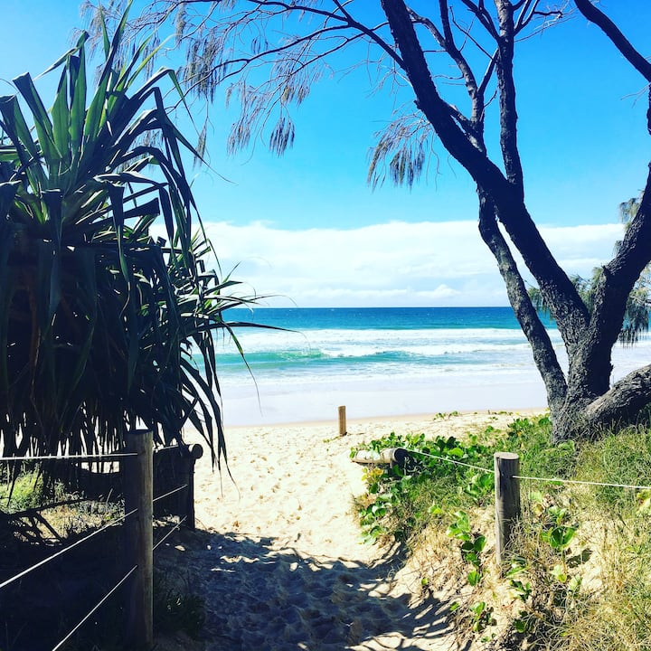Mudjimba, close to Sunshine Coast Airport & Beach