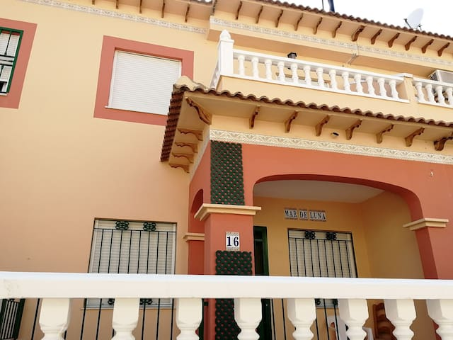 Lovely Holiday House in Torrevieja