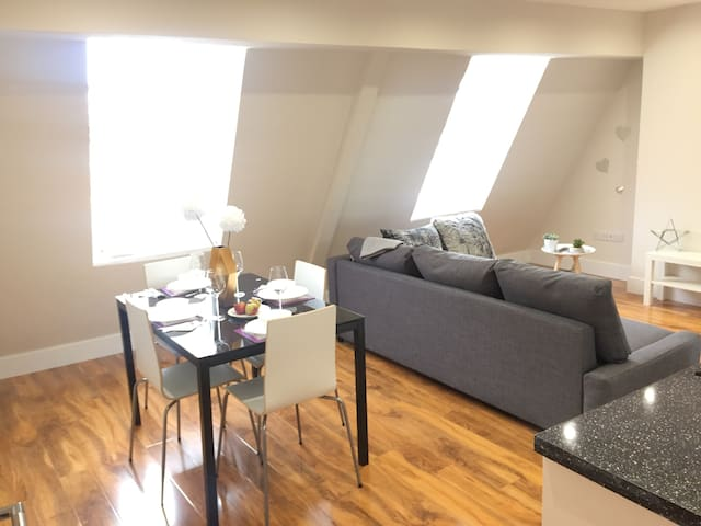 Amazing flat in Redhill, near to Gatwick airport