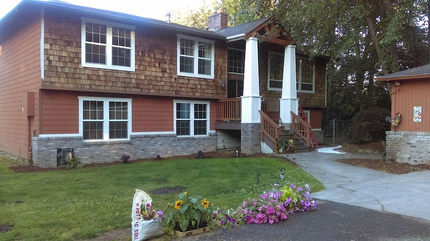 Puget Sound Escape-Sleeps up to 11 - Port Orchard