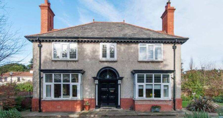 Edwardian house in private walled garden - Dublin - Rumah