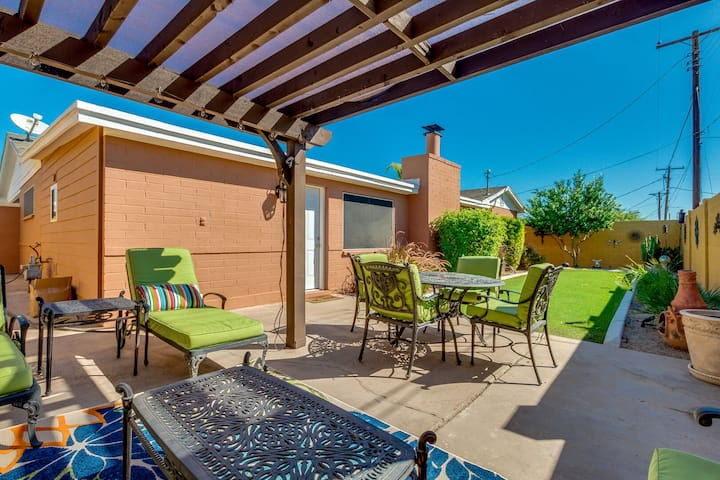 Picture Perfect for Family Gatherings! 3 King Bedrooms + Queen! Sleeps 8!