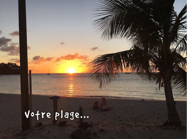 -20% for a month,30m2 on the beach with Swim Pool. - Les Trois-Îlets - Apartment