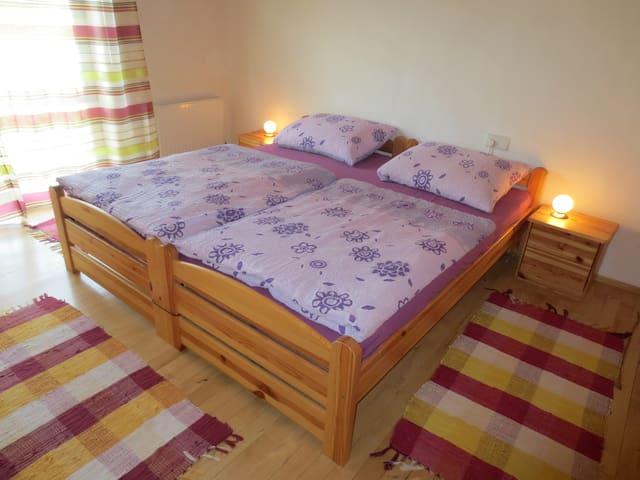 Sonnige Ferienwohnung in Schnifis - Schnifis - Lägenhet