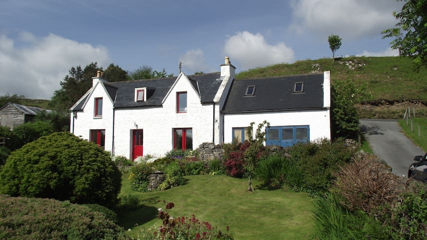 Kerr Cottage  family&pet  friendly! - portree - Huis