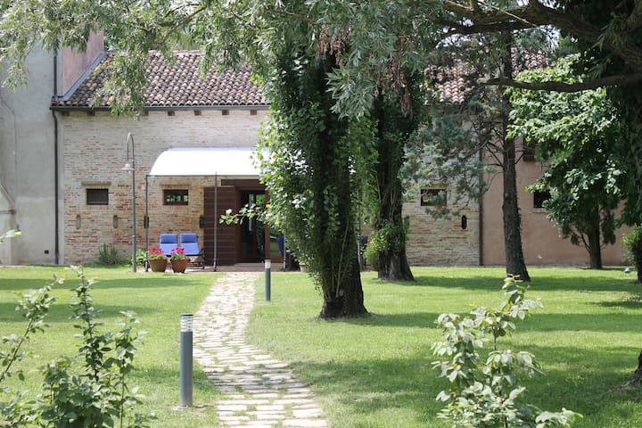 Campigrandi House - Elegant Villa in Casale