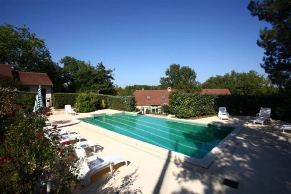 Les Aubiers, piscine privée chauffé