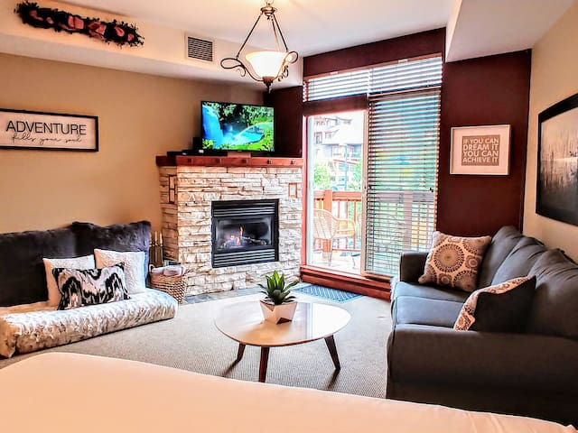 ⭐️ Luxury Mountain View Studio in ❤️ of Canmore ⭐️