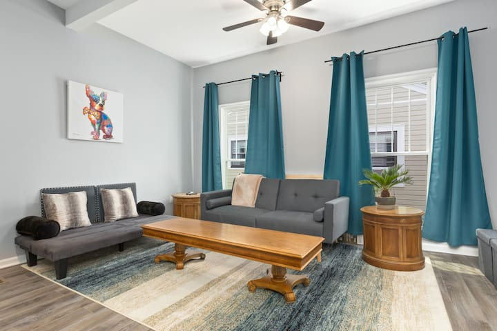 Recently Renovated Chic Durham Farmhouse