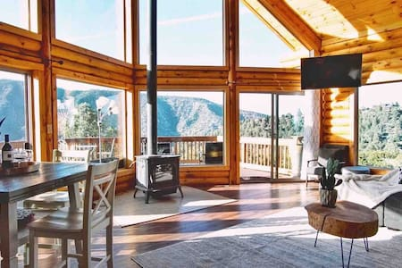Cozy Cabin Rental in Pine Mountain Club California