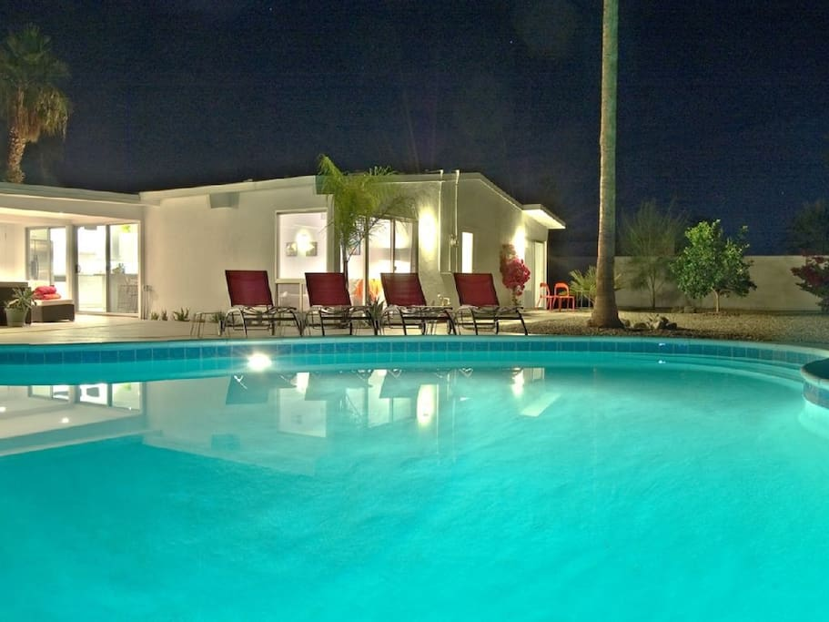 ... with a huge private heated saline pool fit for Palm Springs entertaining.