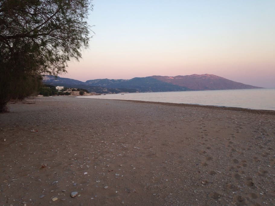 Beach 2 minutes walk away