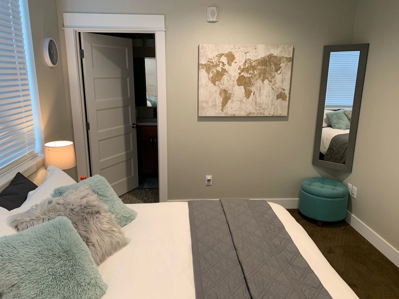 In the master bedroom you'll sleep in comfort with a down duvet and your choice of both down and feather pillows. A cot gives you the option of another single mattress. Want privacy or more room? Book the full two-bedroom suite with the bunk room!