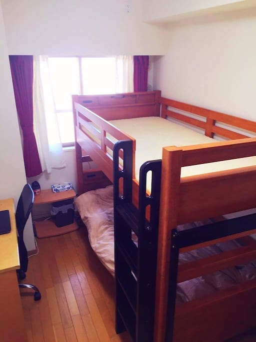 2段ベッドで2名ゲストも可能です!ご家族、ご友人といかがですか(^^)