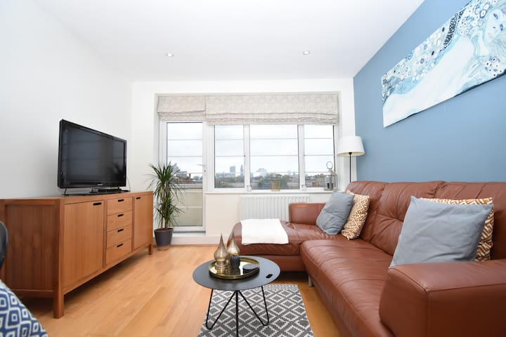 Stylish & Modern 2 BR Flat in London!
