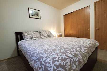 NE Tacoma/ Federal Way, Clean Comfy Room #2
