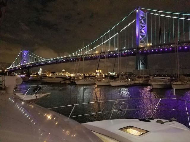 Adventure! 2bd/2bth Yacht, ConvCntr +Free Parking - Philadelphie - Bateau