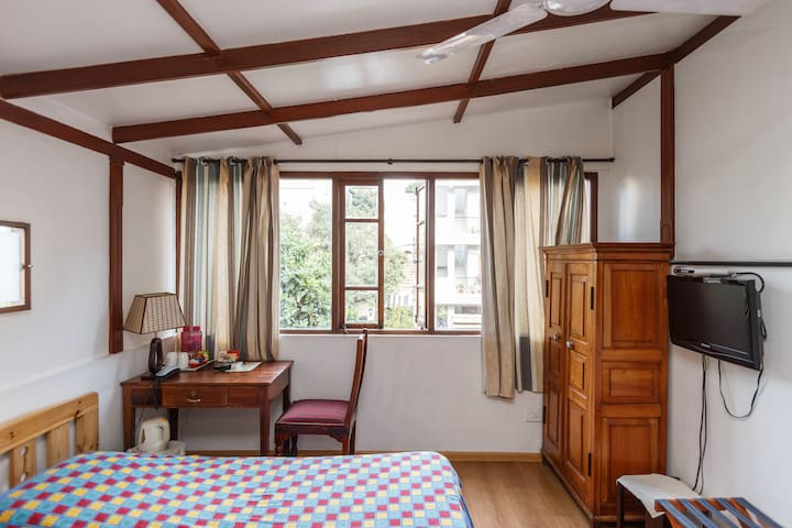 private room in Cottage with Garden, city center