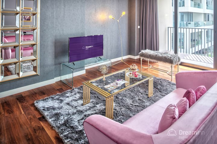 City Walk - Beautifully Designed 3 BR Apt Dubai