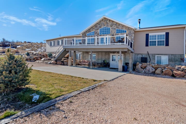 Lovely multi-family, dog-friendly home w/ amazing views & a full playground