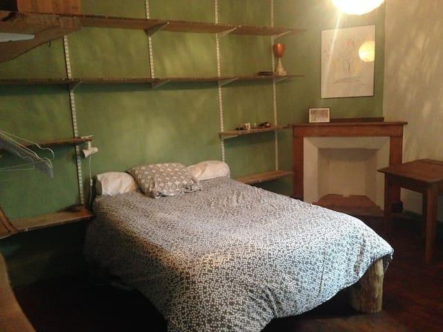 Chambre dans une maison de ville rénové