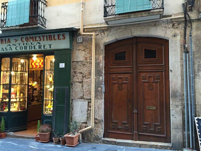 PISO ACOGEDOR EN EL CASCO ANTIGUO DE TARRAGONA - Tarragona - Casa