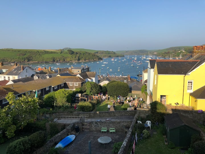 Salcombe - A Home from Home with estuary sea views