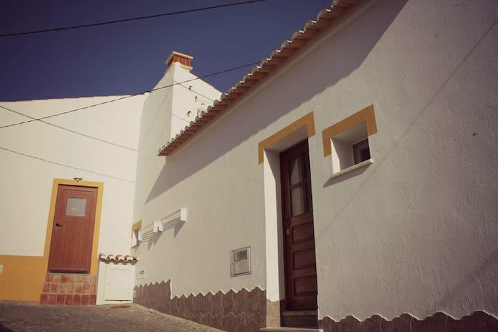 Casa Avó Maria - Bordeira - Дом