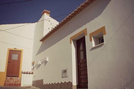 Casa Avó Maria - Bordeira - Talo