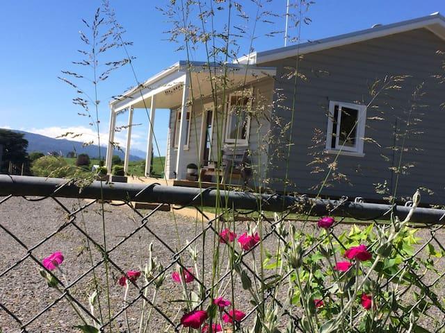 Otapouri Farm Cottage