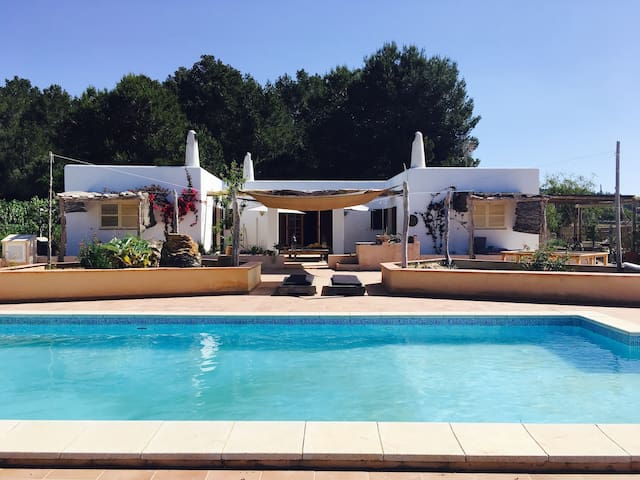 Peaceful Traditional Finca & Swimming Pool 2-5pax - Sant Antoni de Portmany - Apartment