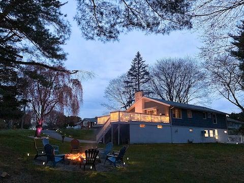 Niantic Bay & Play House